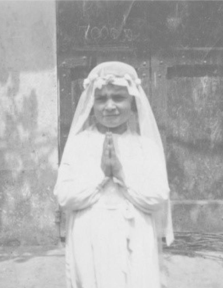 Candida Pagliasso nel giorno della prima comunione in Valle Sanche nel Roero
