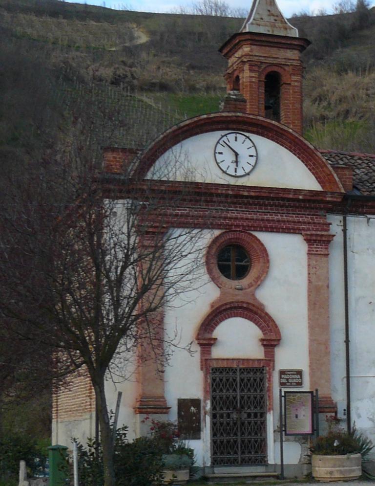 Chiesa di Madonna Del Guado a Vezza d'Alba in frazione Sanche