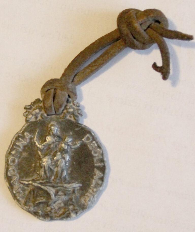 medaglietta della Madonna degli Alpini appartenuta a Pier Augusto Dacomo