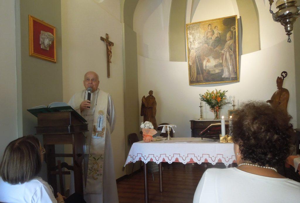 Una celebrazione nella Cappella di San Bernardo nella Borgata Lemonte di Corneliano d'Alba