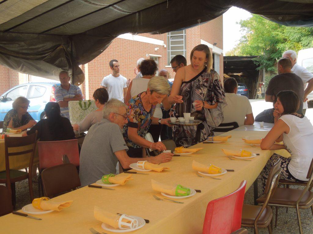 Una festa della comunità di Cappella di San Bernardo nella Borgata Lemonte di Corneliano d'Alba