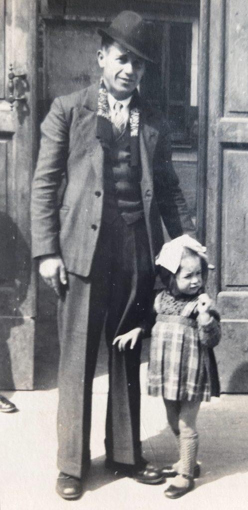 Caterina Surra con il papà, Monteu Roero