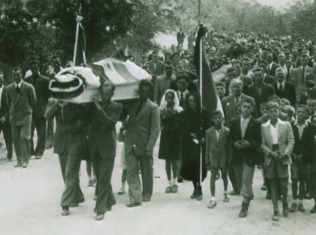 le immagini storiche di un rito funebre nel Novecento a Monteu Roero
